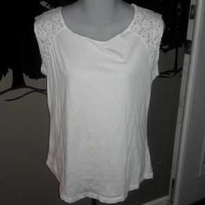 Womens sz S GAP white lace accent top like new